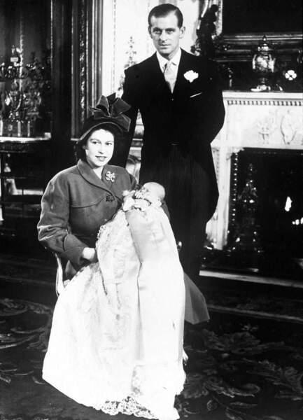 En 1948 la princesse Elisabeth et le duc d'Edimbourg accueilleront leur premier enfant, Charles né le 14 novembre au palais de Buckingham
