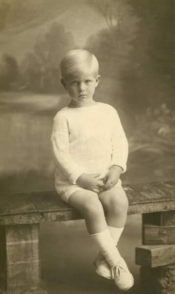 Après la débâcle de la guerre greco-turque, le roi de Grèce abdiquera en 1922 et la famille royale grecque sera contrainte de s'exiler vers la France.