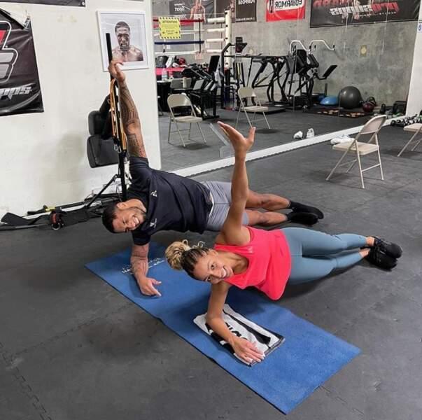 Chez Tony Yoka et Estelle Mossely, on fait son renforcement musculaire en couple.