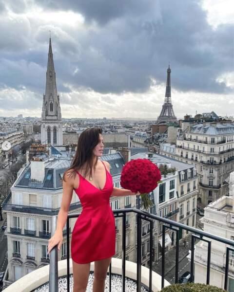 Et Iris Mittenaere vous rappelle en image que c'est bientôt la Saint-Valentin !