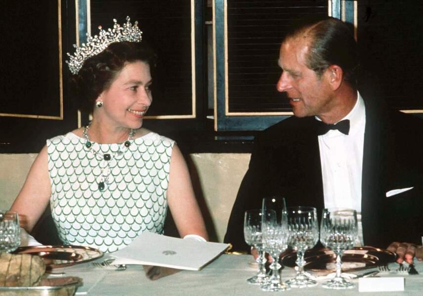 Malgré les rumeurs d'infidélités de son mari, il n'en demeure pas moins que Philip reste le confident et conseiller le plus proche de la Reine