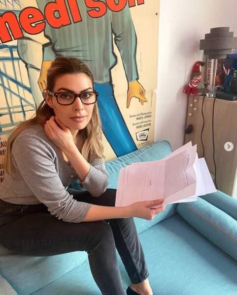 Candice Pascal avec des lunettes, ça donne ça. Vous en pensez quoi ?