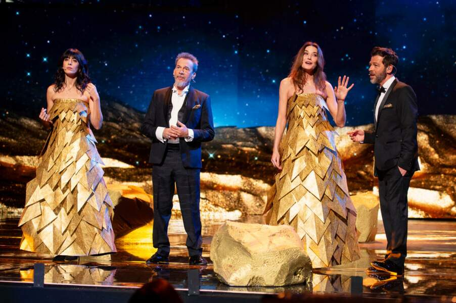 Nolwenn Leroy, Florent Pagny, Carla Bruni et Christophé Maé lors du concert des Enfoirés 2021