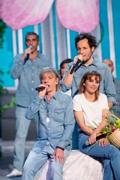 Ary Abittan, Vianney, Jean-Louis Aubert et Claire Keim lors du concert 2021 des Enfoirés