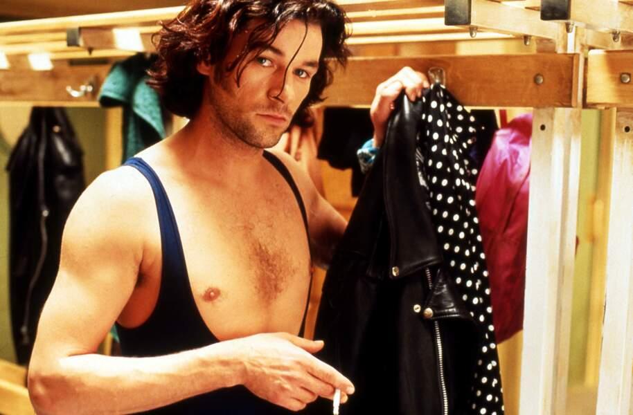 Il joue dans le film Dancing Machine de Gilles Béhat en 1990