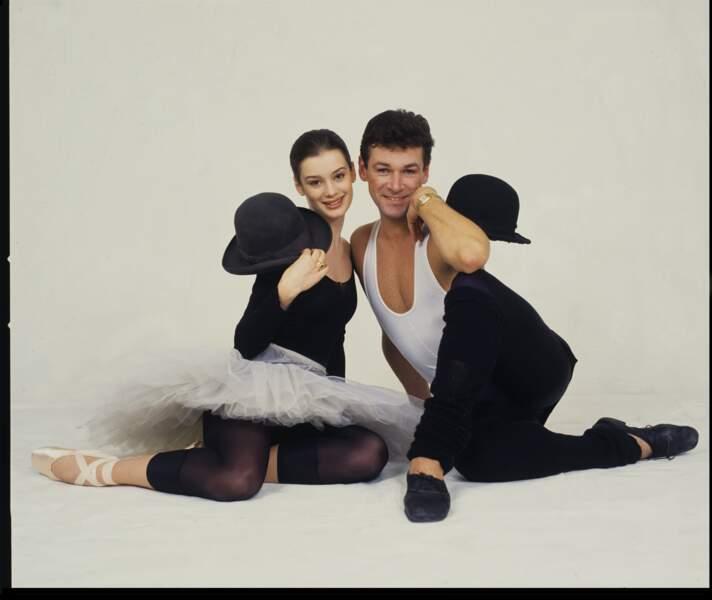 Les danseurs étoiles de l'Opéra de Paris : Aurélie DuponT et Patrick DuponD posent avec humour sous l'œil du photographe Pascal Victor en 1994