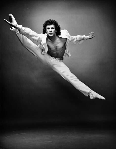 Patrick Dupond est nommé danseur étoile à l'Opéra de Paris le 30 août 1980. Il a 21 ans.