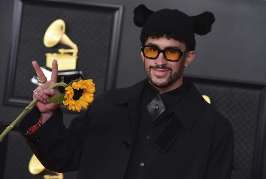 On l'avoue : on n'a rien compris à ce look du chanteur de reggaeton Bad Bunny.