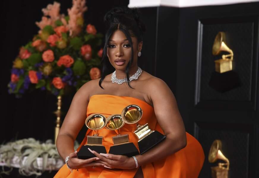 Megan Thee Stallion, qui voyait la vie en orange, a remporté trois prix sur quatre nominations, pas mal pour une première participation.