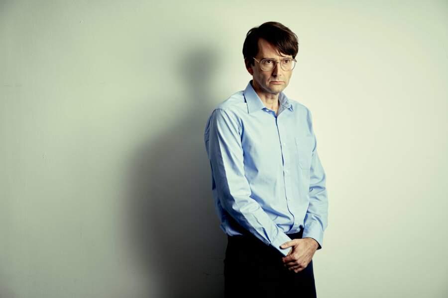 Impressionnant et méconnaissable. Tel est David Tennant en tueur en série dans Des, une mini-série britannique.Le comédien campe David Nielsen, un criminel nécrophile ayant sévi en Grande Bretagne dans les années 1980.