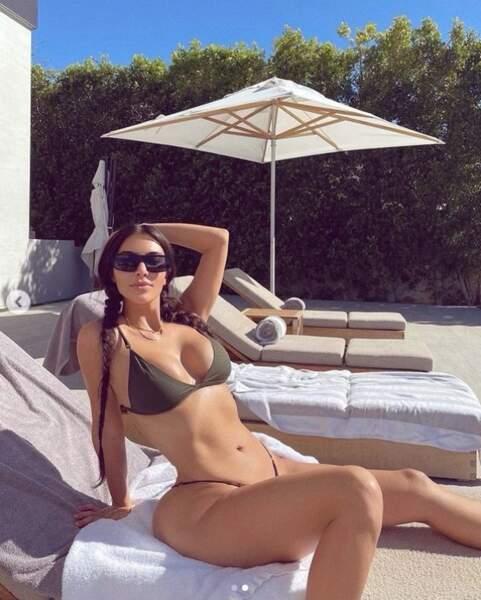 Tenue également choisie par Kim Kardashian.
