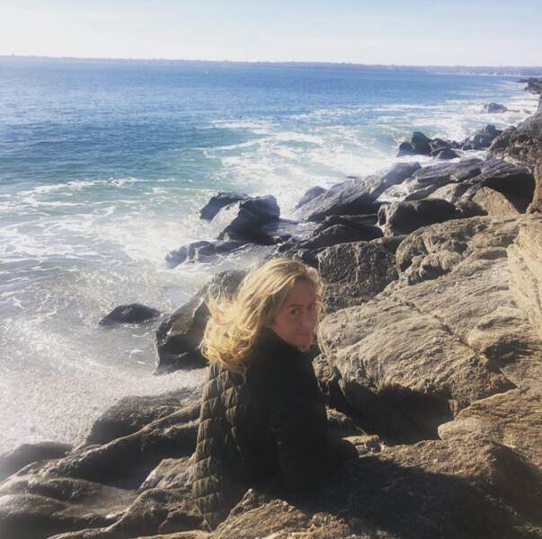 Brushing mi-Brigitte Macron mi-Brigitte Fossey pour Enora Malagré à la mer (c'est elle qui le dit).