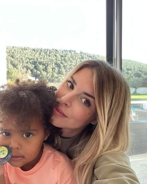 Selfie mère-fille pour Emilie Fiorelli et Louna.