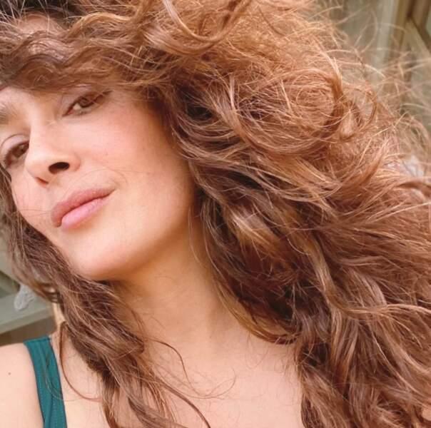"Le brushing ""latino-arabe"" de Salma Hayek, selon sa propre description."