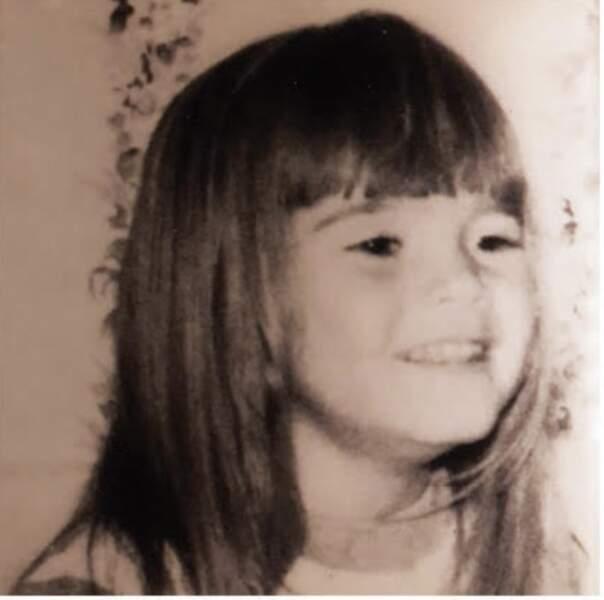 Petite, sa chevelure blonde était déjà sa marque de fabrique