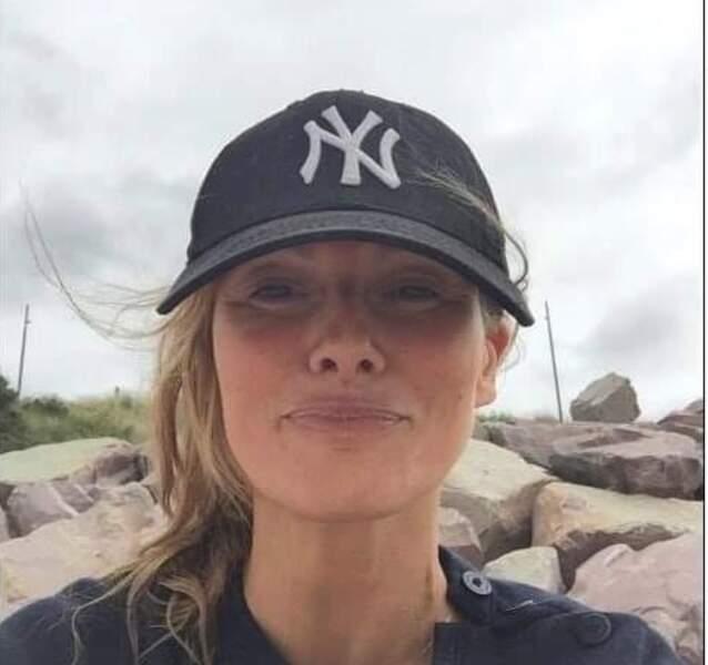 Si Laly Meignan ne dit pas non à une casquette pour se protéger du soleil...