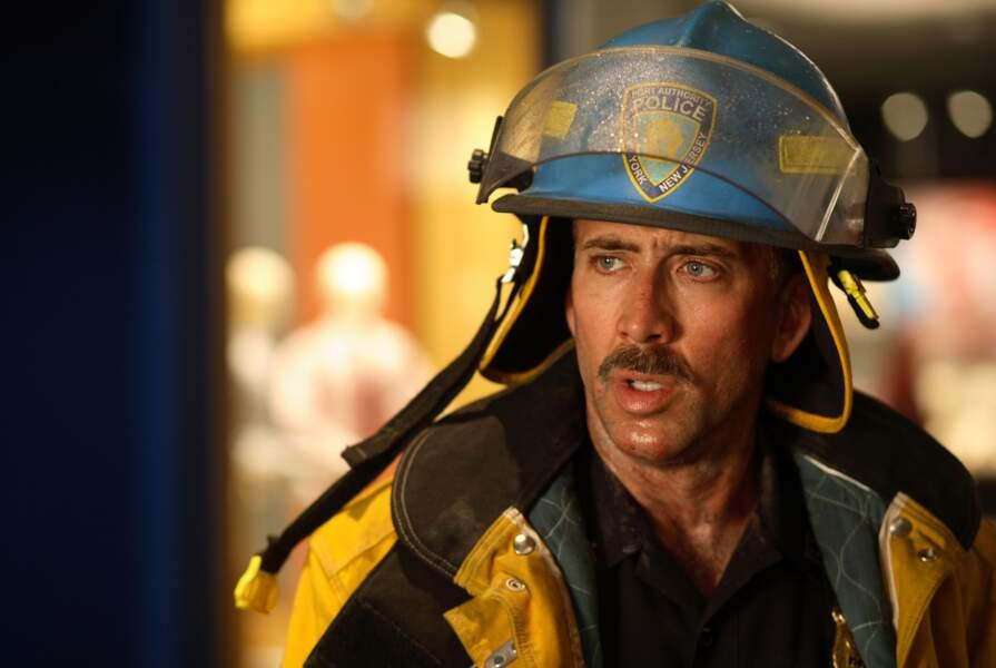 Moustache et uniforme...
