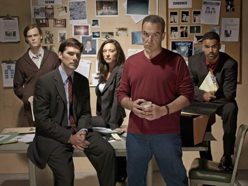 Lancée en 2005 aux Etats-Unis, la série Esprits Criminels (Criminal Minds) s'est terminée...