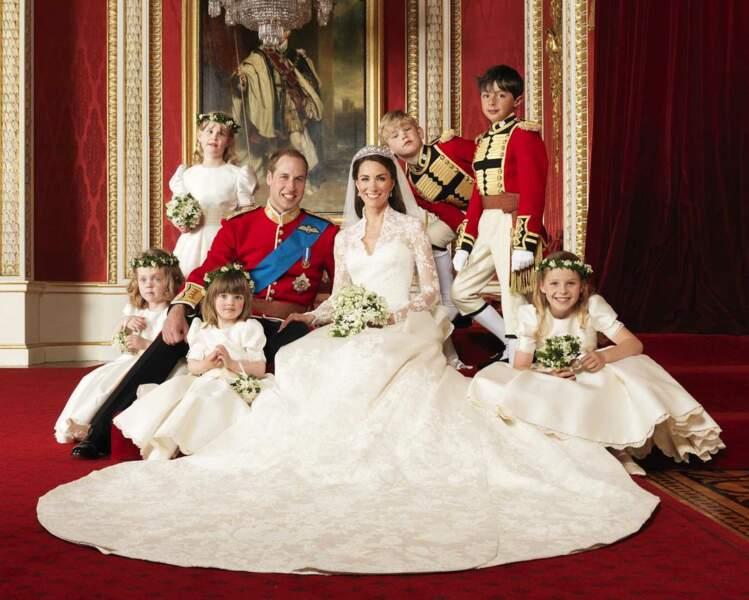 Photo officielle à Buckingham Palace en compagnie des enfants d'honneur