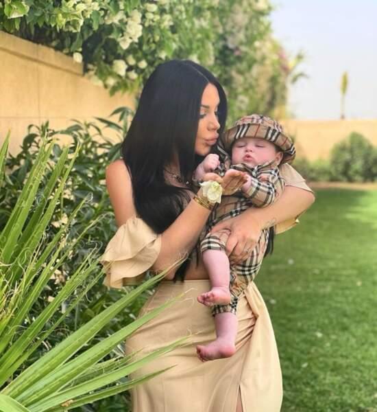 Laura Lempika et son petit Zlatan au Maroc