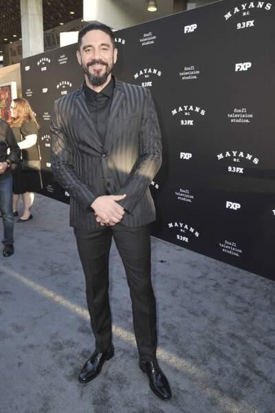Il est joué par l'acteur Clayton Cardenas