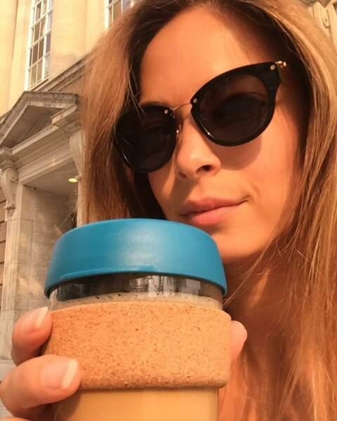 L'actrice ne cache pas non plus sa passion pour le café…