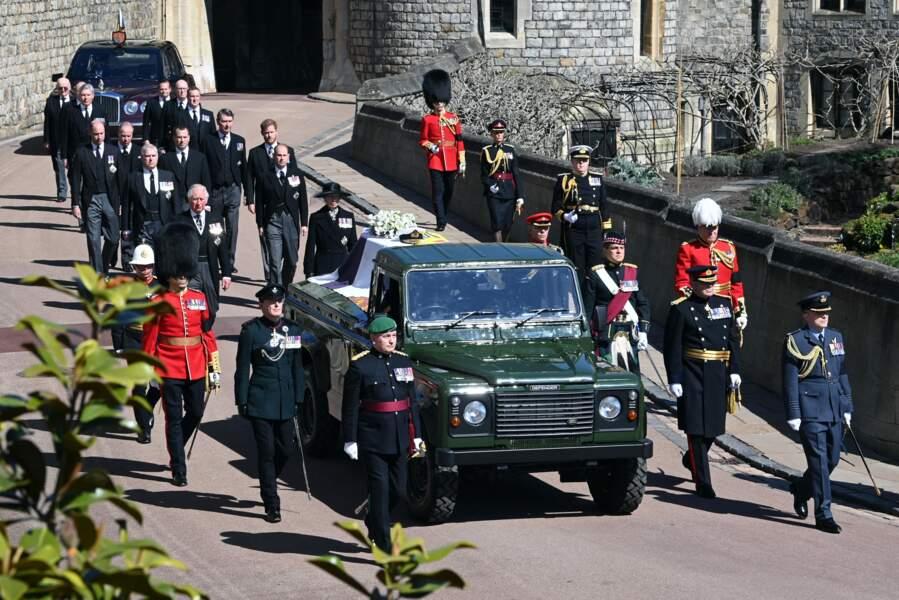 La famille royale derrière le cercueil du prince Philip