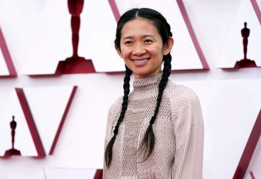 La réalisatrice Chloe Zhao, dont le film Nomadland est le grand gagnant de la soirée