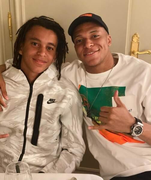 Un certain air de famille : Kylian Mbappé et son petit frère Ethan.