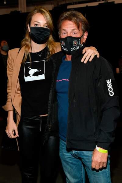 Vous les reconnaissez sous leur masque ? Sean Penn et son épouse Leila George.