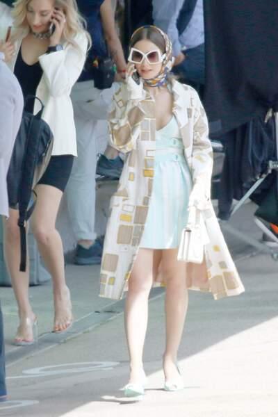Quant à Emily, elle a emmené toute sa garde-robe dans ses valises !