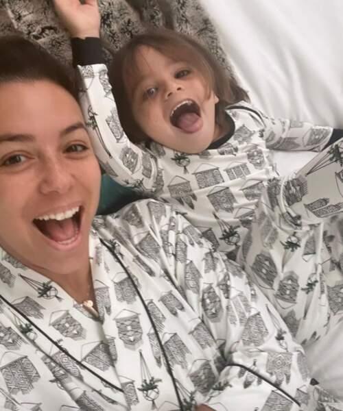Et Eva Longoria et son fils Santi ont enfilé des pyjamas assortis.