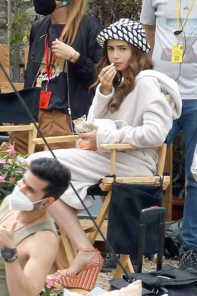 L'actrice Lily Collins retrouve son personnage de la jeune Américaine Emily