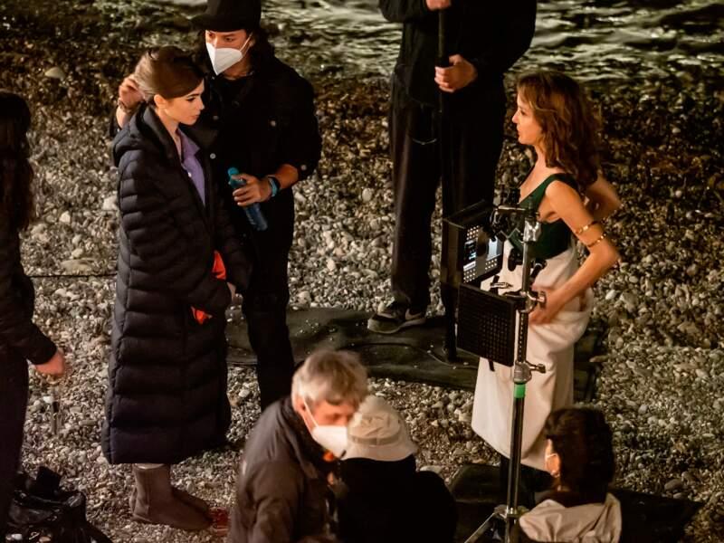 Une soirée sur la plage pour Emily et sa boss Sylvie ?