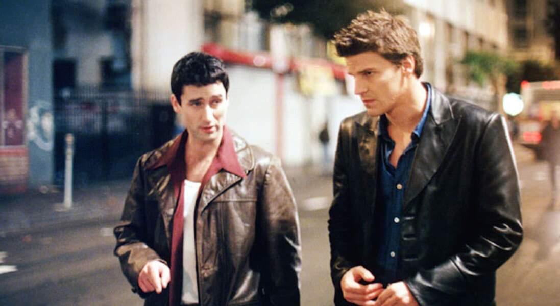 Doyle (à gauche), mi-humain, mi-démon, a des visions. Ce sont ces dernières qui le conduisent à rencontrer Angel et Cordelia. Ils fonderont ensemble Angel Investigations
