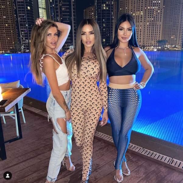 Manon Tanti profite de sa soirée avec ses copines Adixia et Maeva Ghennam