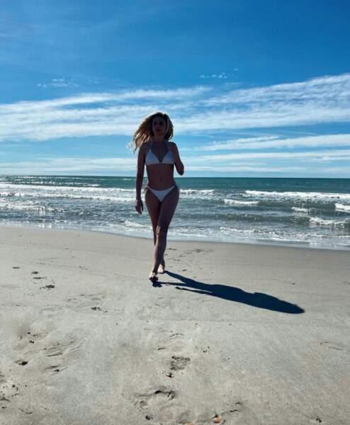 Sexy : Clara Morgane en bikini...