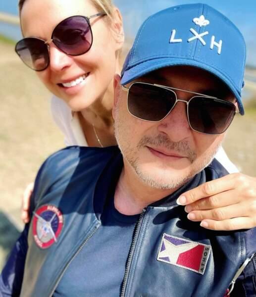 Selfie en amoureux pour Sébastien Cauet et sa chérie Nathalie.
