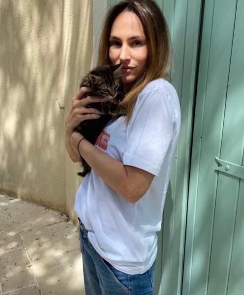 Vanessa Demouy et le petit Simba.