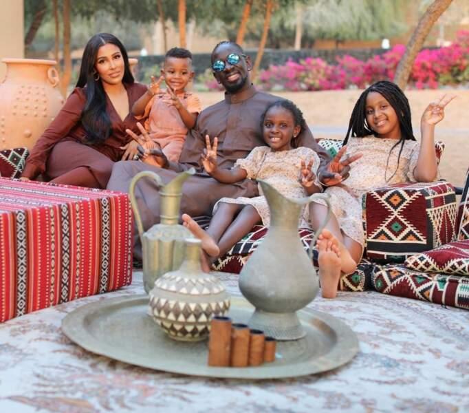 Majda Sakho entourée de son mari Mamadou Sakho et toute leur petite famille
