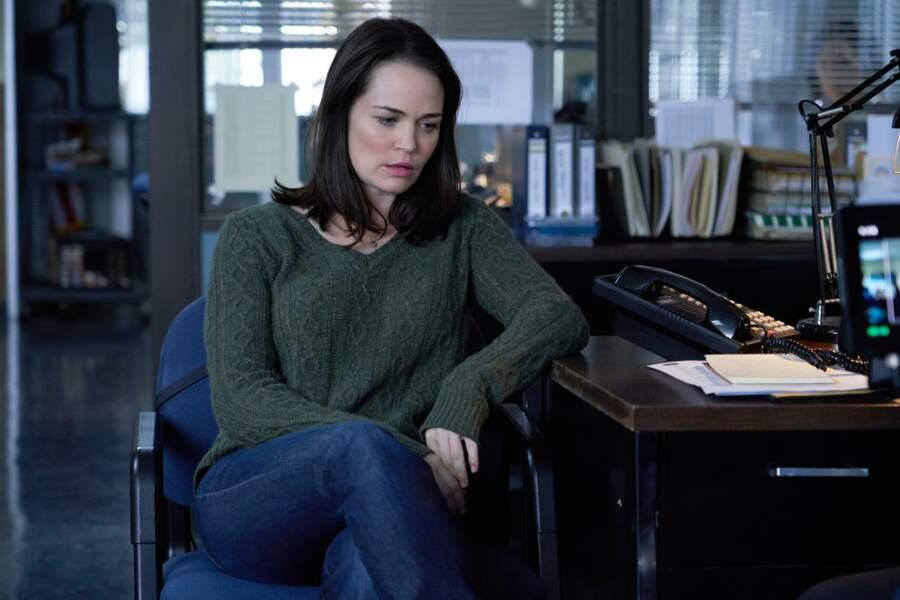 Sprague Grayden incarne Tonia Sells dans la série Dirty John, la première épouse de ce dernier qui ignorait tout de son addiction à la drogue et aux antidouleurs.