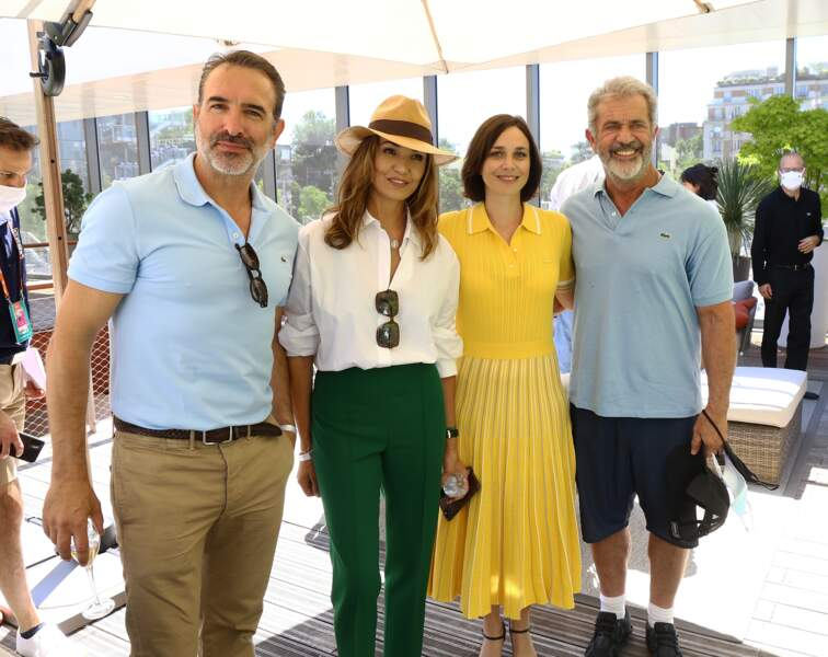 Jean Dujardin , Nadia Fares , Nathalie Pechalat , Mel Gibson prennent la pose