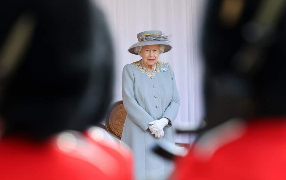 Un Trooping the Colour différent des autres, mais qui a permis à la reine de suivre les traditions.