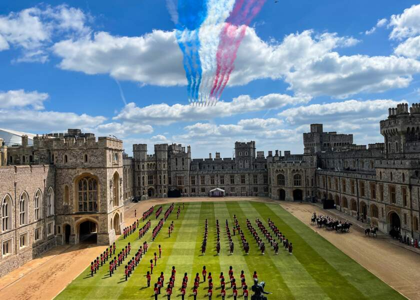 Samedi 12 juin, Elizabeth II a assisté au traditionnel Trooping the Colour.