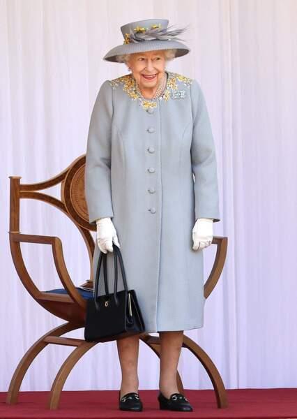 La reine est apparue très souriante.