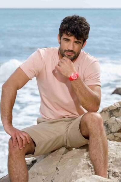 En échouant sur une île déserte, Romain va-t-il trouver l'amour ?