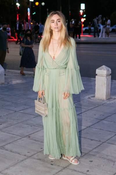 La Britannique Suki Waterhouse, mannequin, actrice et chanteuse.