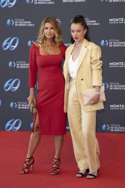 Les actrices Ingrid Chauvin et Camille Genau.