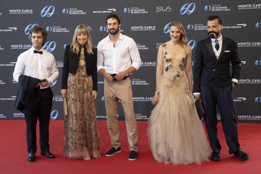 L'équipe de L'école de la vie : Bruno Sanches, Melanie Page, Guillaume Labbe, Deborah Francois et Julien Fournie.