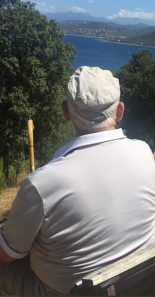 Jean-Luc Reichmann a partagé une photo où son père apparaît de dos.